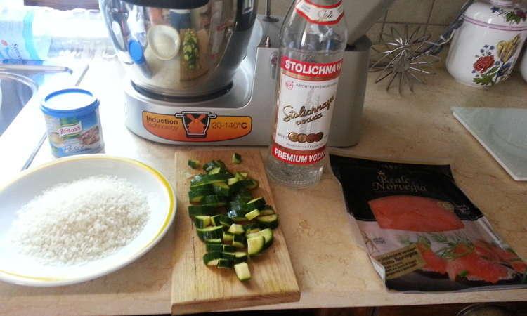 Risotto al salmone con zucchine e vodka