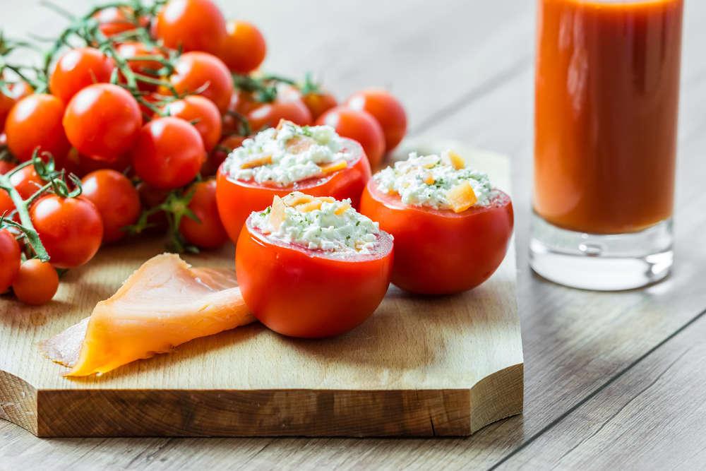 Cocktail di pomodori con guacamole di mare