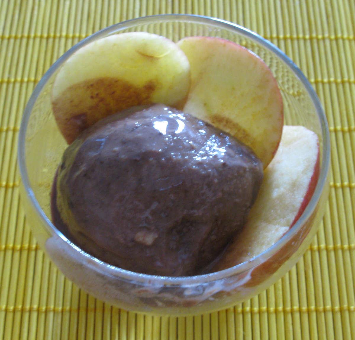 Gelato al cioccolato fondente e peperoncino