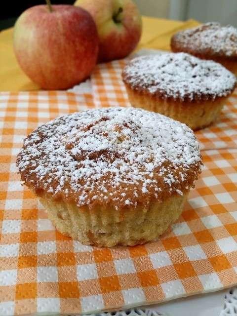 Tortine di mele e nocciole