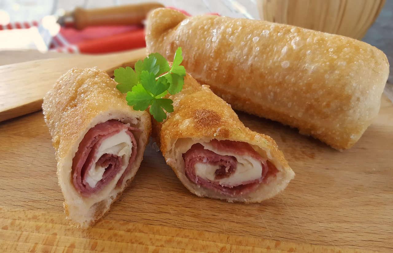Sigari rustici salame e mozzarella